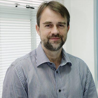 Dr. Cláudio Gromann, Ortopedia geral e ortopedia infantil