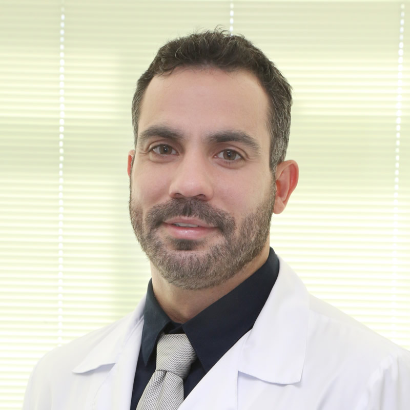 Dr. Rafael Mohriak de Azevedo, Especialista do cirurgia de pé e tornozelo